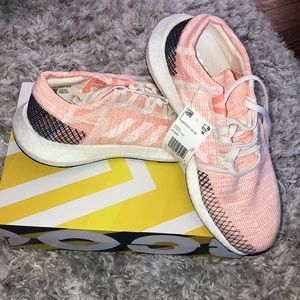 ADIDAS RUNNING SNEAKERS NEW WITH TAGS